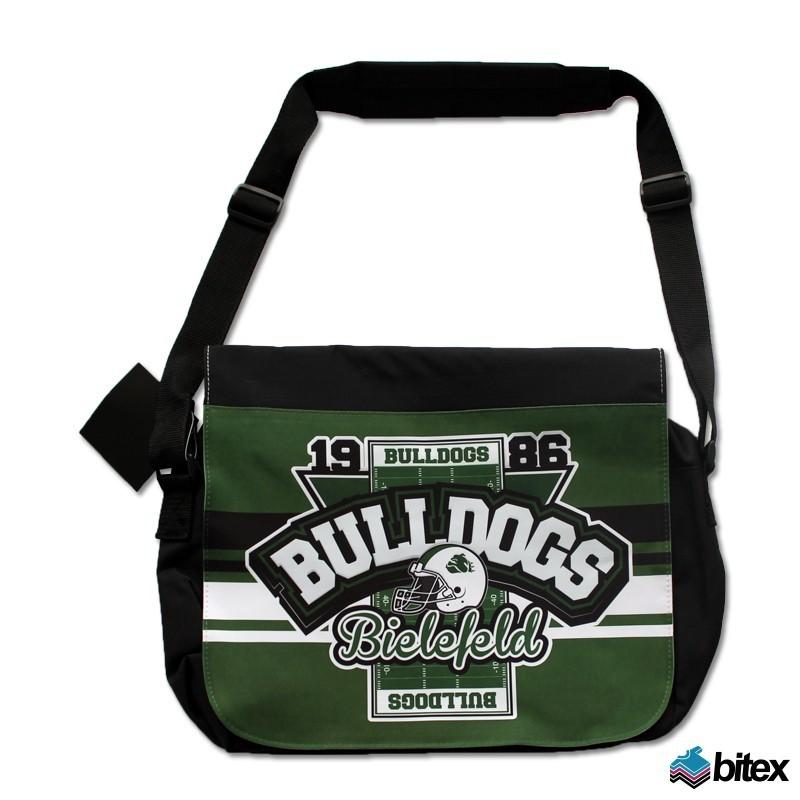 """Messenger Bag """"Field"""" in grün/schwarz/weiß"""